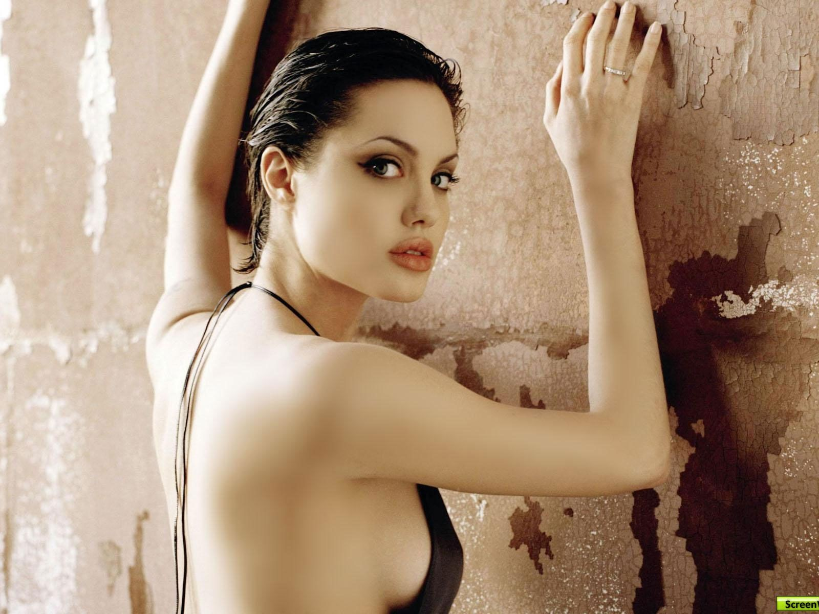 http://4.bp.blogspot.com/-269JqOj684k/UC9bR8tVnCI/AAAAAAAAApg/iXdgpwInQ_w/s1600/Angelina-Jolie--super-super-actress-hollywood-star-pictures-wallpapers-widescreen-supermodel-psupero-gallery-widescreen-wallpaper-latest-wallpapers-1600x1200.jpg