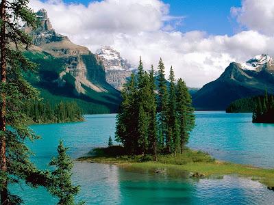 Maligne Lake Jasper National Park Alberta, Canada