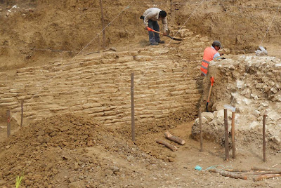2,000 year old pyramid, multiple pre-Hispanic burials found in Veracruz, Mexico