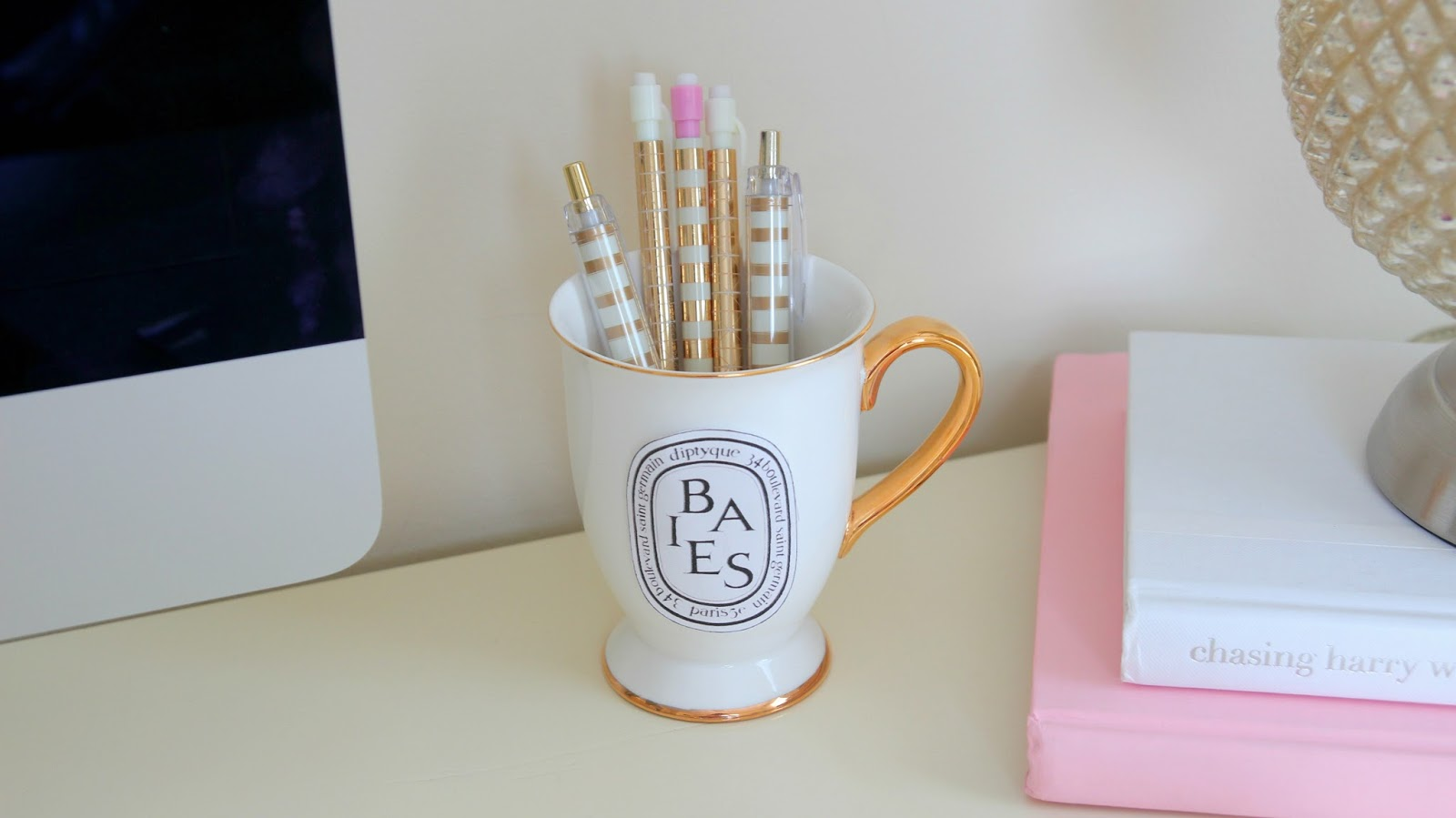 Desk Organization - DIY Desk Decor - DIY Pen Cup - Tumblr Desk - Pink & Gold - DIY Diptyque