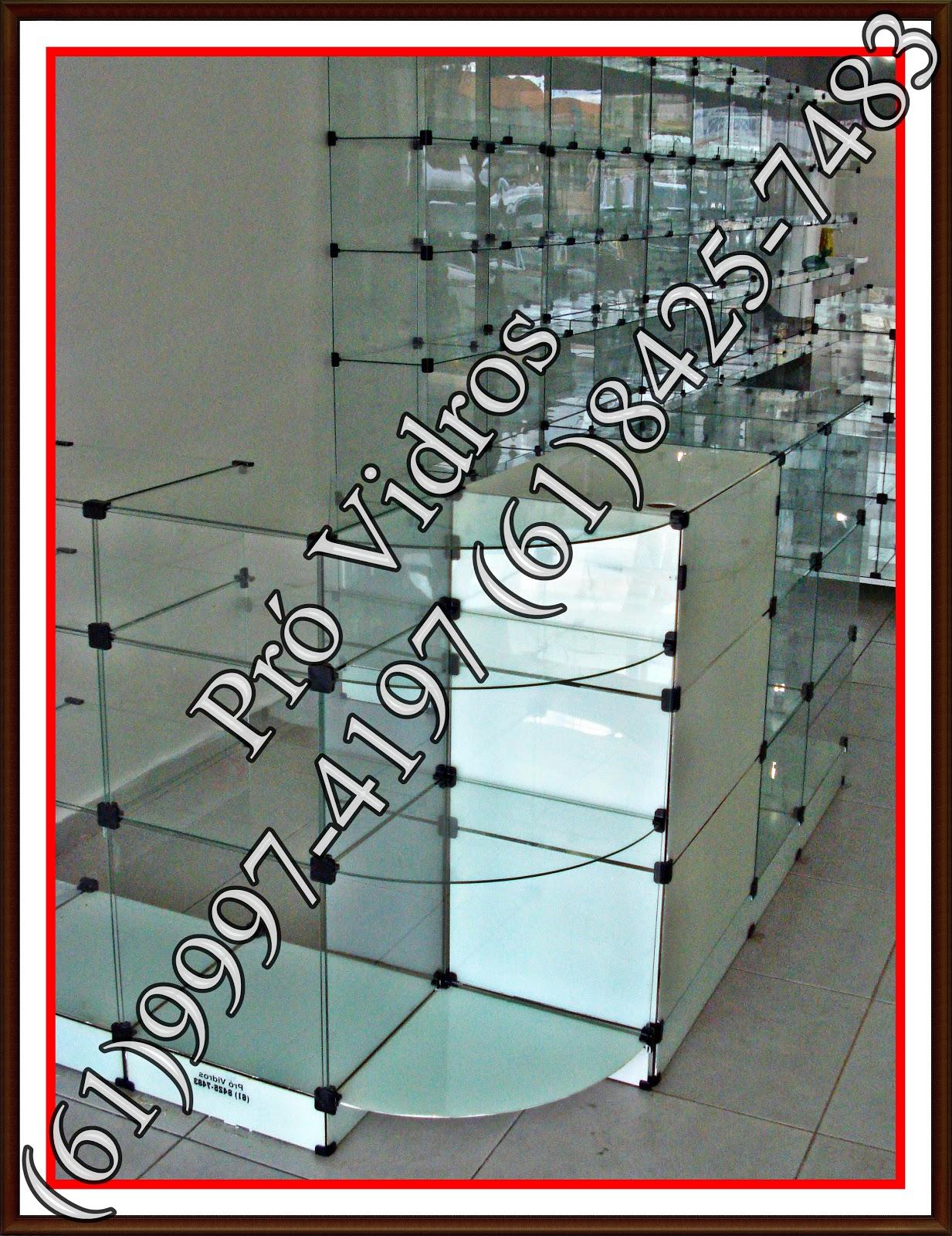 #B81513 Vitrine Prateleira PRONTA ENTREGA em Brasilia no DF.: Balcão de Vidro  202 Janelas De Vidro No Df