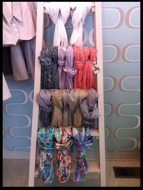 Ideas para almacenar o guardas bufandas / How to store your scarves