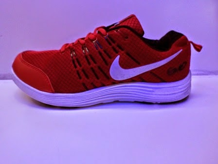 Sepatu Nike Complete  merah,nike running