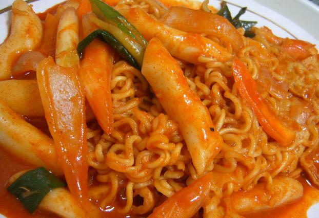 Korea korean recipe sauteed rice cake fish cake with for Korean fish cake