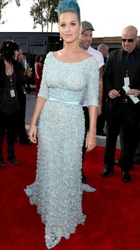 Кати Пери в светлосиня рокля на Elie Saab Грами 2012