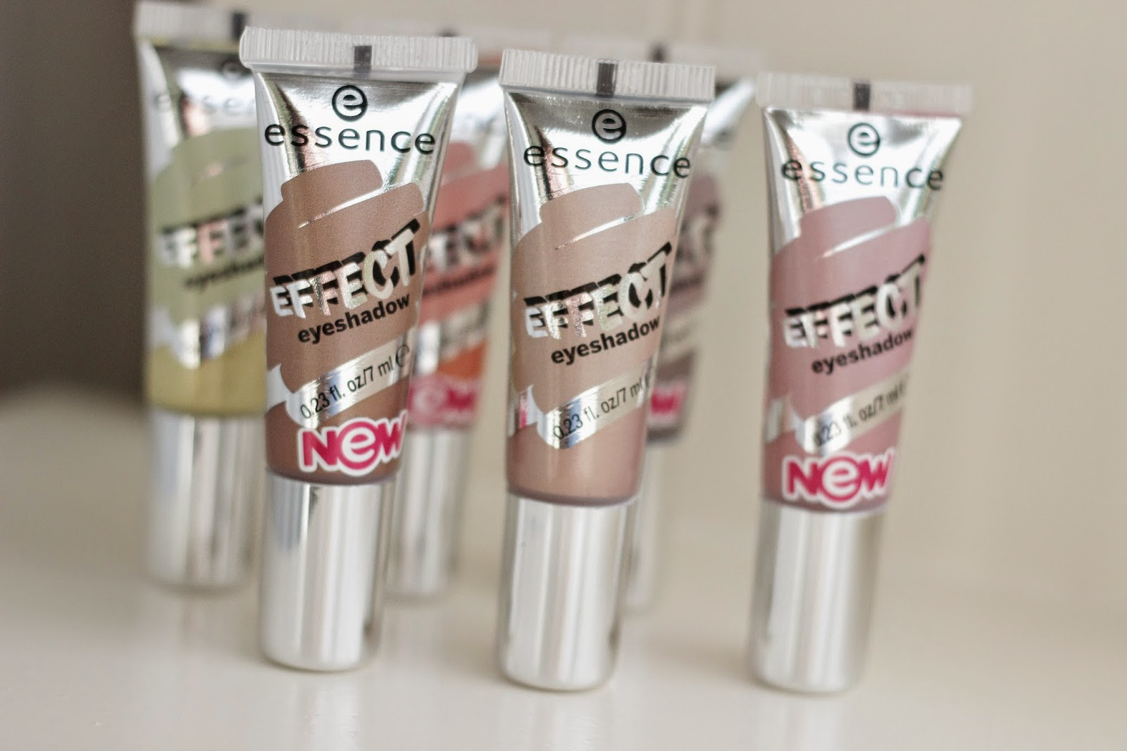 review essence effect eyeshadows