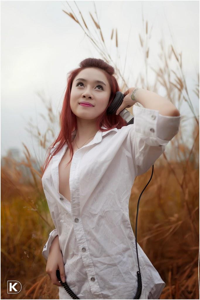 Nữ DJ xinh đẹp quyến rủ gợi cảm