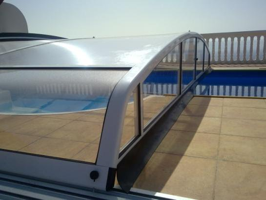 Con una cubierta para piscina conseguir aumentar la for Hoteles en madrid con piscina cubierta