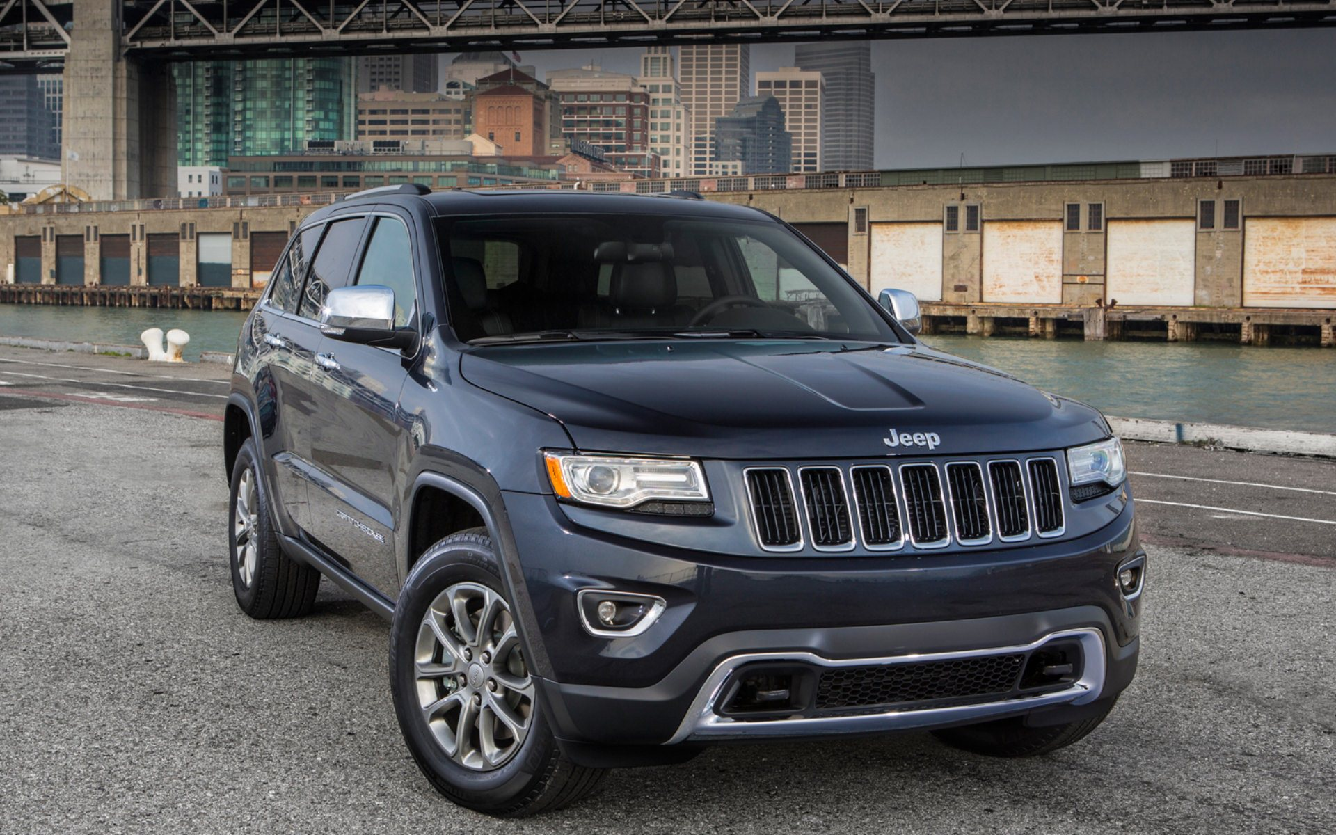 2014 Jeep Grand Cherokee Widescreen Wallpaper