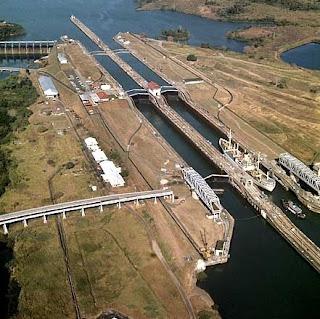 El canal de Panamá mide 78 kilómetros.