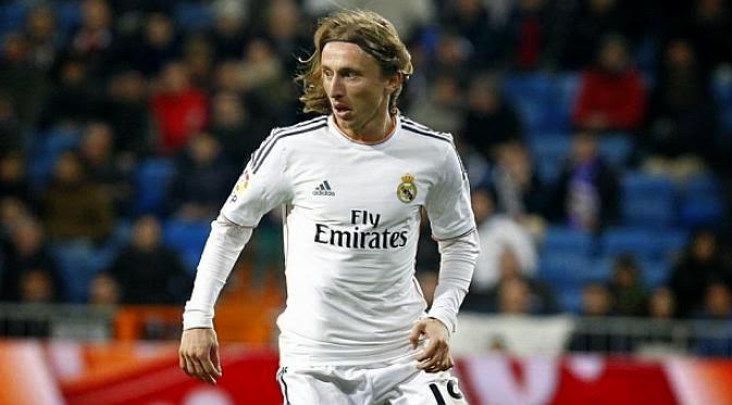Kabar Buruk, Modric Keluar Dari Madrid Hingga Akhir Musim
