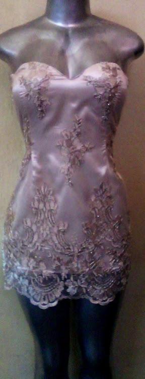 vestido de tule bordadado