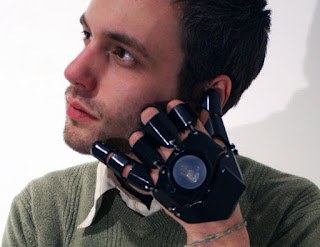 Glove One-Future mobile phone