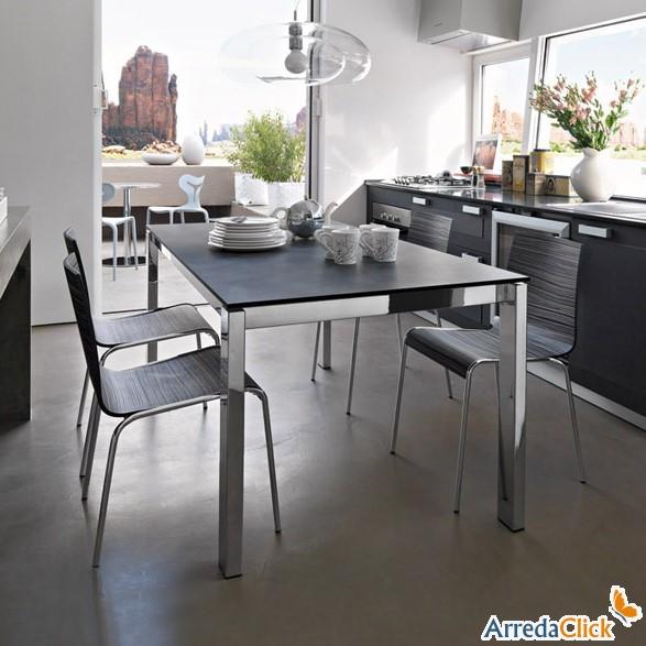 Il Tavolo Allungabile Ciack In Metallo E Cristallo è Un Altro Esempio  Perfetto Per I Living Di Piccole Dimensioni, Ma Con Grandi Aspirazioni: Gli  80x80 Cm ...