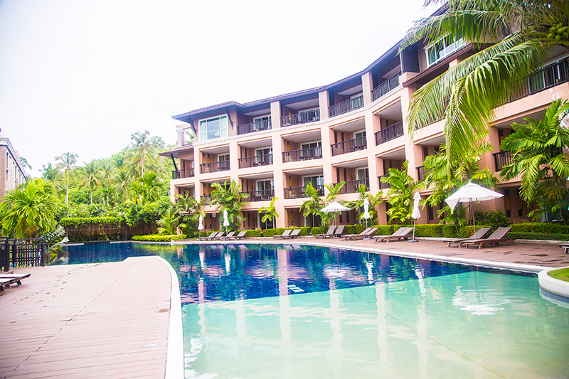 Radisson Blu Plaza Phuket hotel second swimming pool