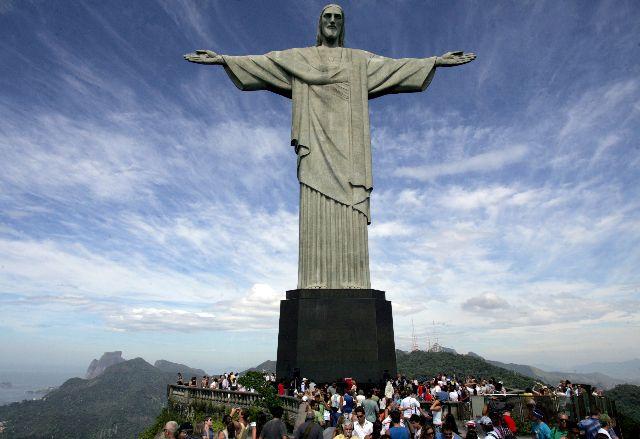 b1abcdc7c33 Destinos Brocker Turismo  80 Anos do Cristo Redentor