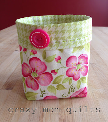 Thread catcher, pattern weights and pin cushion - HOME SWEET HOME
