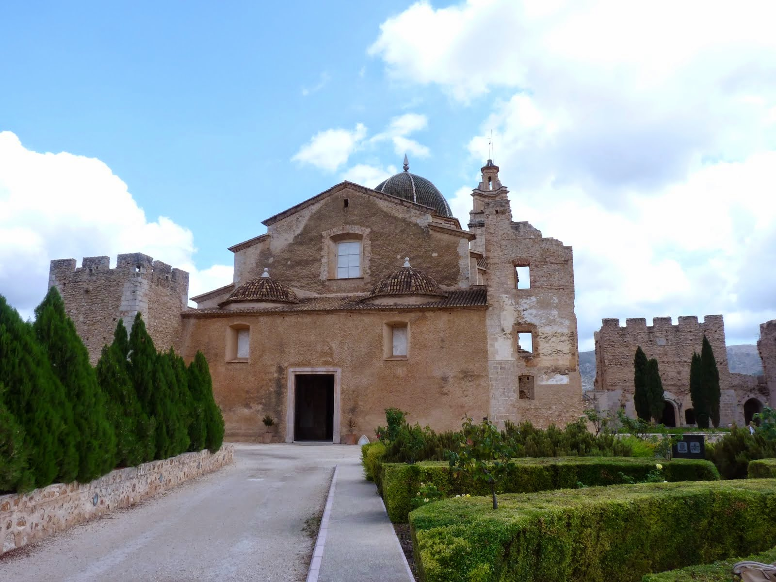 Monastir part  davantera  - Monasterio parte delantera