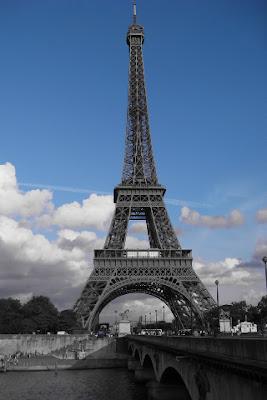 iPhone 4 wallpaper Eiffel Tower