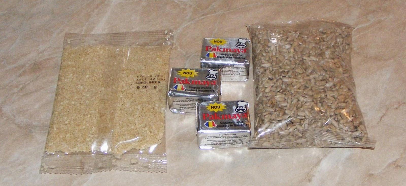 seminte pentru paine, ingrediente pentru paine, seminte de susan, seminte de floarea soarelui, drojdie de bere, reteta paine, paine cu seminte, retete culinare, cura de slabire, preparate culinare,