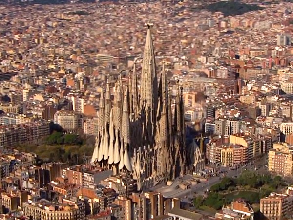 video shows sagrada familia completed like living there. Black Bedroom Furniture Sets. Home Design Ideas