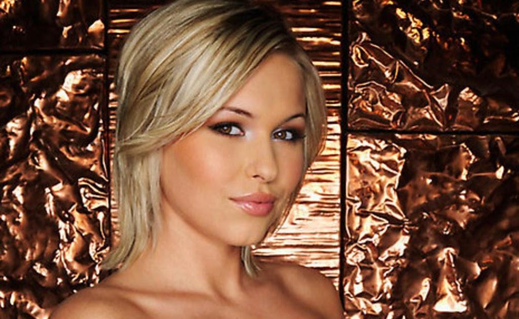 oursoftspottoland: Nude Blondie Iga Wyrwal
