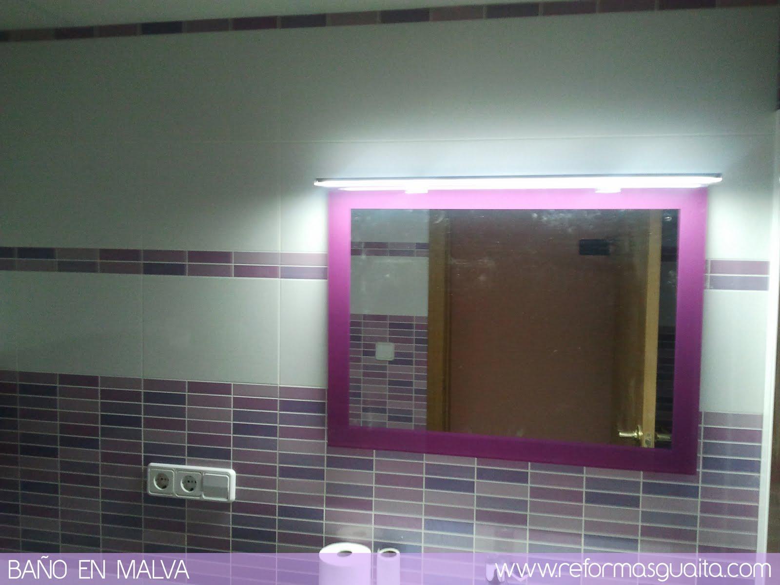 Azulejos Baño Fucsia:Un baño morado con toques malva, lila y rosa ~ Reformas Guaita