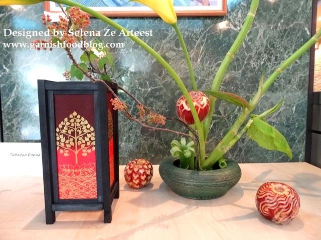 floral ikebana arrangement show