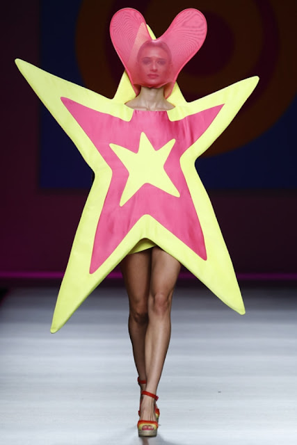 diana dazzling, fashion blogger, fashion, blog,  cmgvb, como me gusta vivir bien, MBFW, cibeles, fashion week, Madrid, Agatha Ruiz de la prada, estrella, corazon