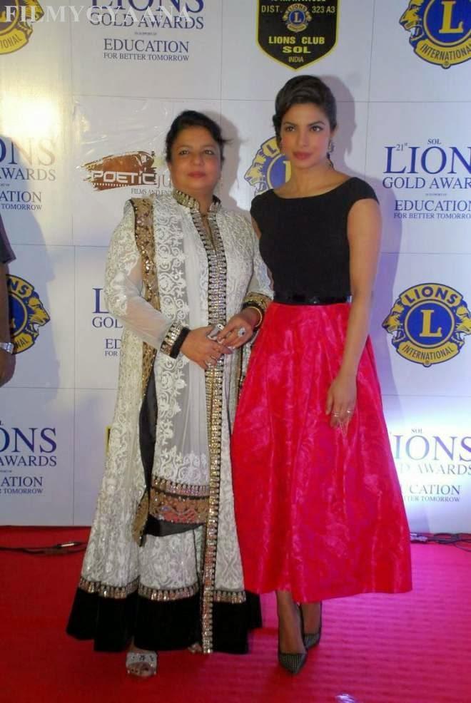 Priyanka Chopra Stills at Lions Club Gold Awards 2015 Image