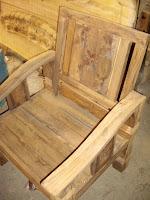 Furniture kayu sebelum di finishing