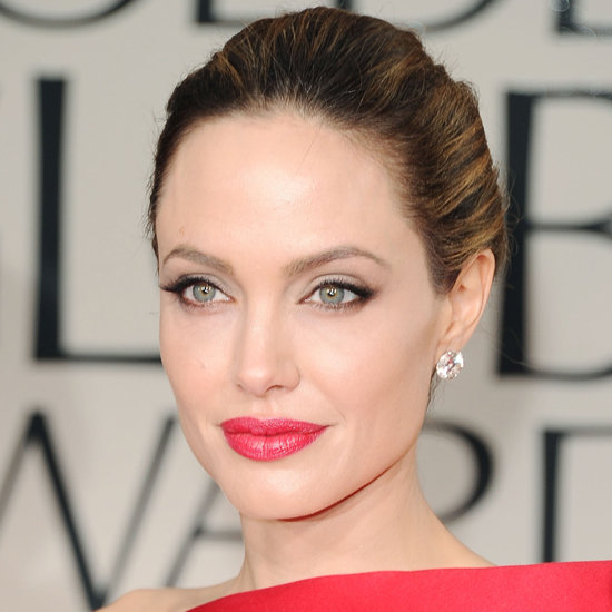 ჰოლივუდელი ლამაზმანები  Angelina+jolie+golden+globes+2012+makeup+atelier+versace