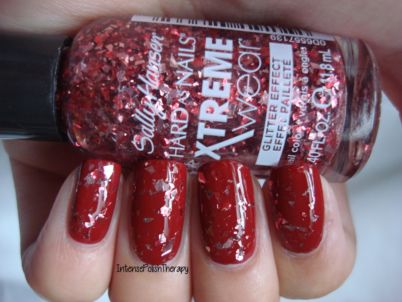 Sally Hansen - Rogue Red
