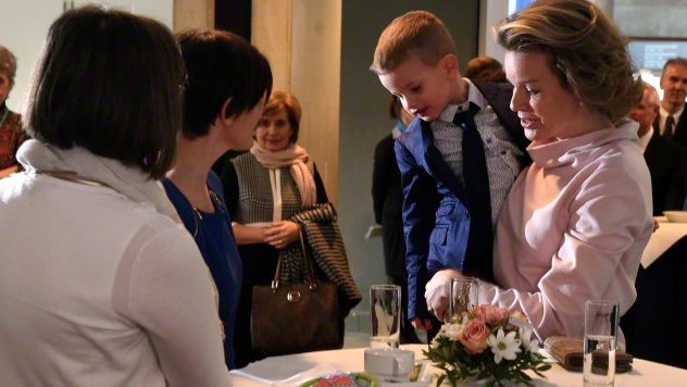 Queen Mathilde of Belgium has paid a visit to Leuven's University Hospital UZ Leuven