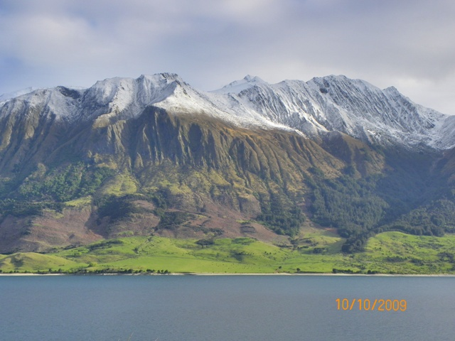 Multicolores en las montañas próximas al Glaciar Fox