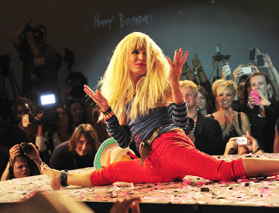 Betsey Johnson, Betsey Johnson hair, Betsey Johnson crimped hair, models using crimpers