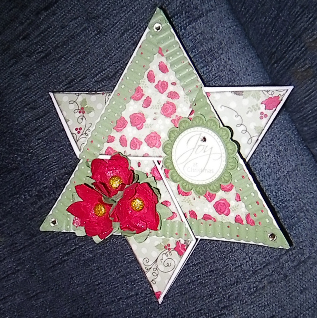 how to make a card pyramid