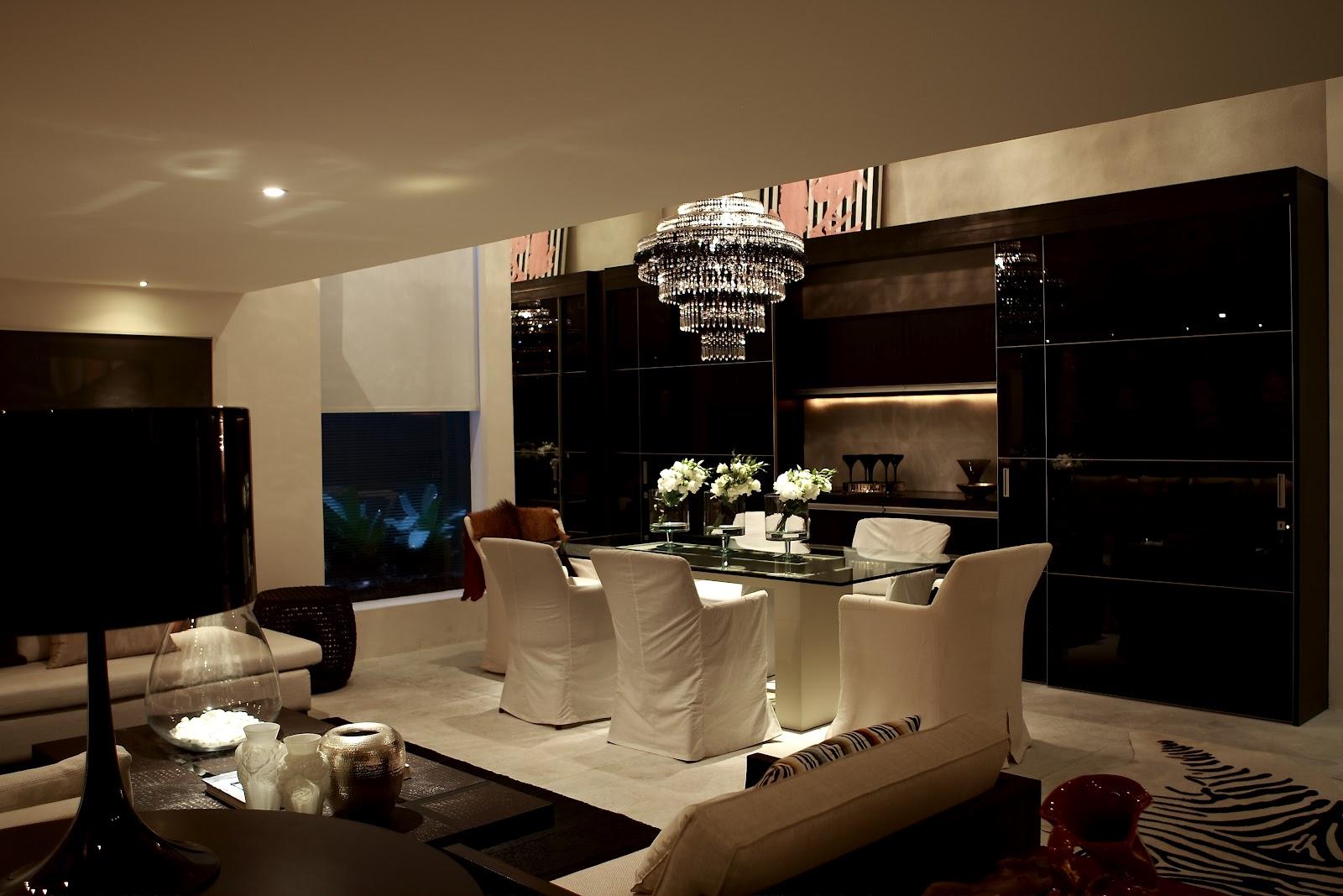 Cozinha sofisticada integrada à sala de jantar / SCA #234564 1600 1067