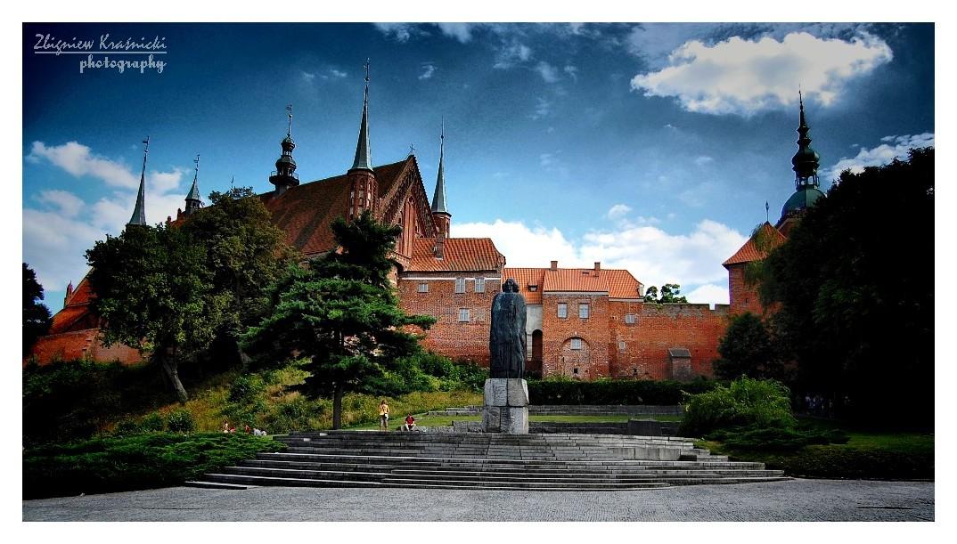 Frombork. Pomnik Kopernika