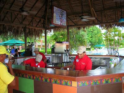 Bar Hotel Royal Decameron Resort Panamá, round the world, La vuelta al mundo de Asun y Ricardo, mundoporlibre.com