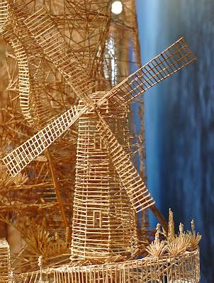 http://4.bp.blogspot.com/-2AmrNNGbtec/Tclgt8zbRWI/AAAAAAAAPKs/8ZFwmIroSG8/s1600/toothpick-kinetic-sculpture-san-francisco-9.jpg