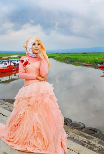 Tips memilih gaun pesta pengantin muslimah untuk dada besar, busana muslimah remaja yang modis dan modern