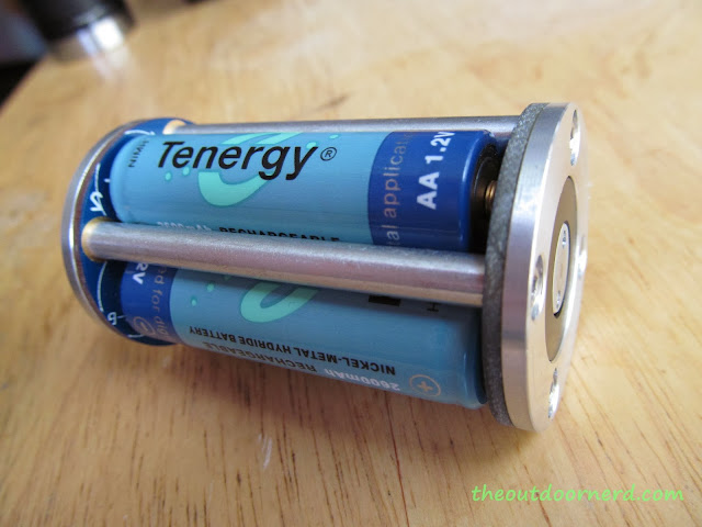 Sunwayman D40A [4xAA Flashlight] - Closeup Of Battery Carrier 2