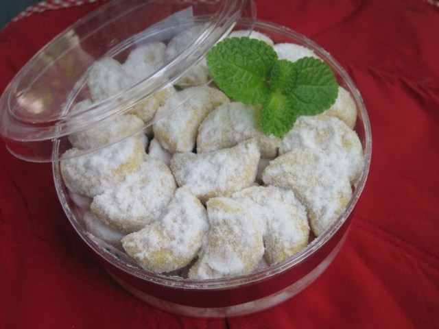 Resep Kue Putri Salju Sederhana, Cara Membuat Kue Putri Salju Sederhana