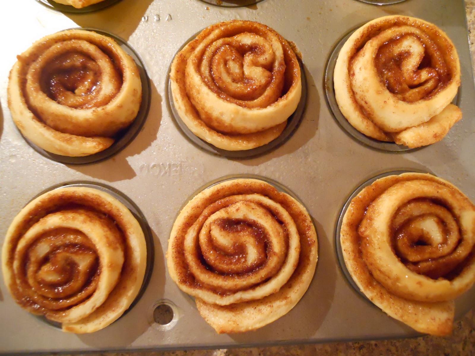 See Aimee Cook: Itty Bitty Cinnamon Rolls