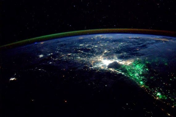 What Caused This Red Glow Over the Pacific Ocean?