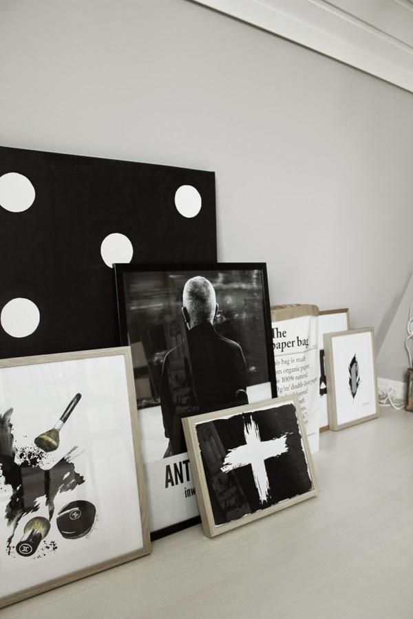 canvastavla, canvastavlor, svartvitt, svartvita posters, print, prints, artprint, konsttryck, ateljé, arbetsrum, studio, kors, fjäder, sminktavla,