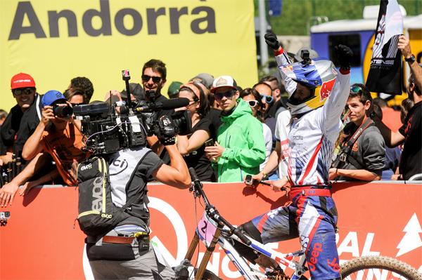 2015 Vallnord UCI World Championship Downhill: Ride With Rachel Atherton