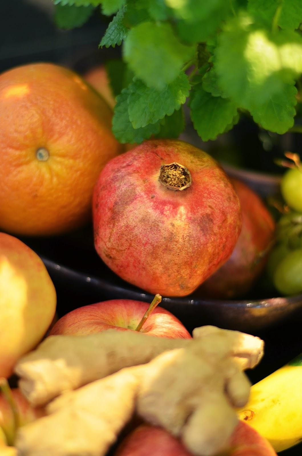 äpple, apelsin, granatäpple, ingefära, närbild, citronmeliss, fresh fruit, blodapelsin, orange, close up, closeup