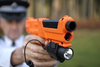 To νέο απόλυτο όπλο της Μεγάλης Βρετανίας που γράφει το DΝΑ από υπόπτους...[BINTEO]